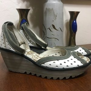 Fly London Ydel Perforated Wedges